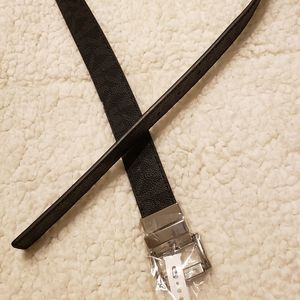 Michael Kors Black Reversible Belt. New with tags.